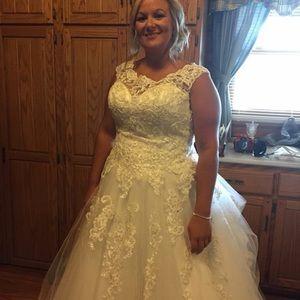 89102ad477e Mori Lee Bridal gown